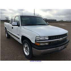 2000 - CHEVROLET SILVERADO 4X4 // TEXAS REGISTRATION