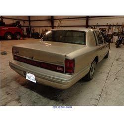 1992 - LINCOLN TOWN CAR