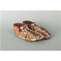 "Central Plains Beaded Man's Moccasins, 10"" long"