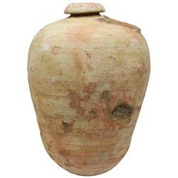 Intact earthenware olive jar from the 1715 Fleet.