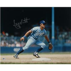 George Brett Signed Royals 16x20 Photo (Beckett Hologram)