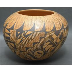 HOPI POTTERY JAR (POLACCA)