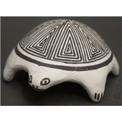 ACOMA POTTERY TURTLE (LEWIS)