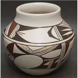 HOPI POTTERY JAR ( LOMAHQUAHU)