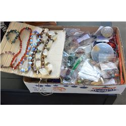 TRAY OF BEADS AND JEWELLRY