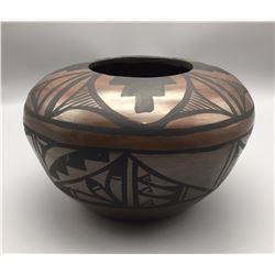 Unique! Isleta Pueblo Pottery Vessel - Diane Wade
