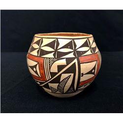 Vintage Acoma Pot – Antonio