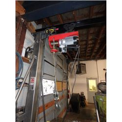 Pittsburgh 1 Ton Mobile Gantry Crane