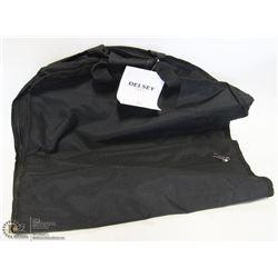 NIB BLACK DELSEY GARMENT BAG 45845BK