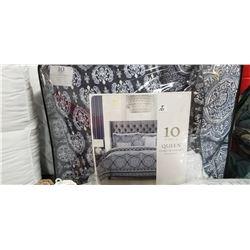 Queen set Reversible 10 piece comforter set