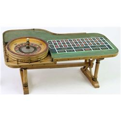 Miniature functioning roulette table