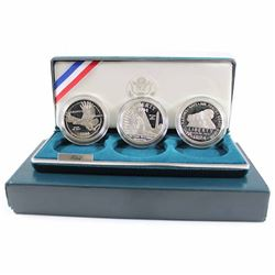US Mint Issue: 1994 United States Veterans Commemorative 3-coin Silver Dollar Proof Set. Comes with