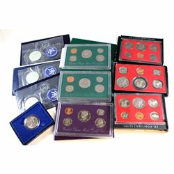 US Mint Issue: 10x United States Commemorative Coins and sets. Lot includes : 2x 1971 Eisenhower Unc