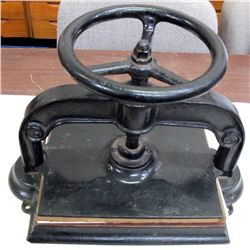High-Quality Cast Iron Book Press