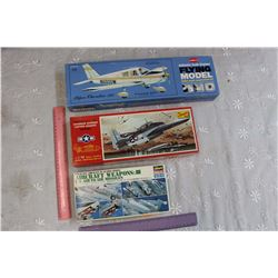 Balsa Wood Airplane Model & Other Aircraft Models (2)
