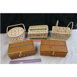 Lot of Sewing Baskets (5)