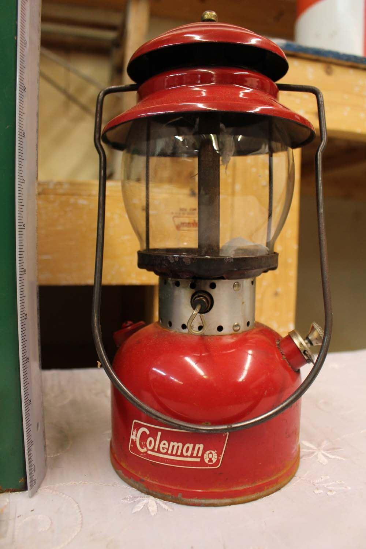 Vintage Coleman Lantern w/Case