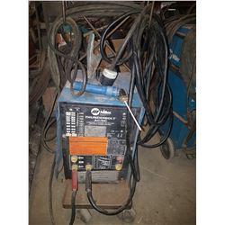 Miller ThunderBolt AC/DC Welding Machine