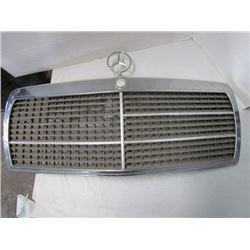 1974 Mercedes Benz grill