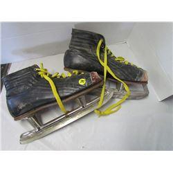 Size 11 Antique skates 1940s or 50s