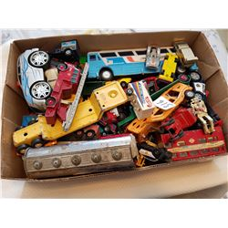 Tray of toys Lot 1