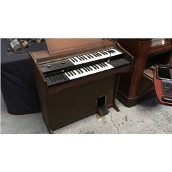 Silvertone Electric Organ