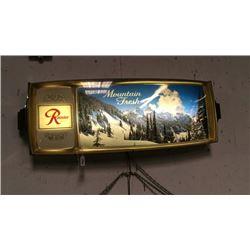 Vintage Rainer Lighted Beer Sign