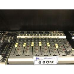 BEHRINGER EURORACK MXR1002 MIXER
