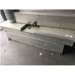 WEATHERGUARD TRUCK BOX - NO KEY