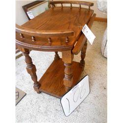 Solid Oak Drop Leaf Side Table / Like New