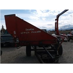 Deweze Super Slicer Bale Processor- Side Pick-Up- New Chains, Sickle Bar and Guards Last Fall