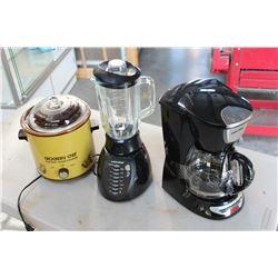 CROCK POT COFFEE MACHINE AND BLENDER