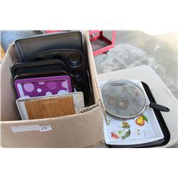 BOX OF BAKING PANS
