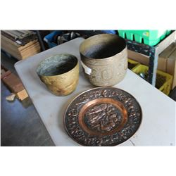 2 BRASS POTS AND COPPER PLATE