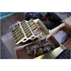 TACKLEBOX WITH CONTENTS AND FISHING REELS