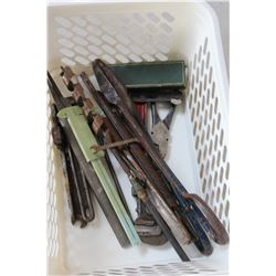 TRAY OF VINTAGE TOOLS