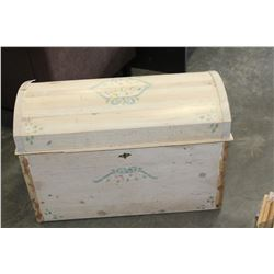 PAINTED PINE DOME TOP TRUNK
