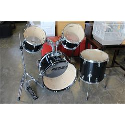 FOUR PIECE PEAVEY DRUM SET WITH ACCESSORIES