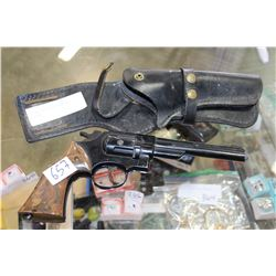 177 CALIBER PELLET GUN IN HOLSTER