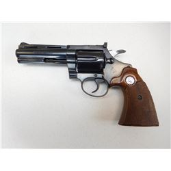 COLT , MODEL: DIAMOND BACK  ,  CALIBER: 22 LR