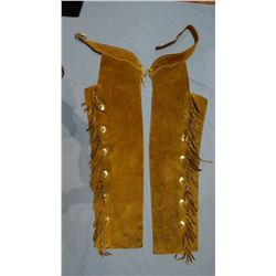 Ruff-out shotgun chaps, fringed, conchos, unmarked