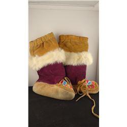 Beaded child's leggings w/rabbit fur trim, newer