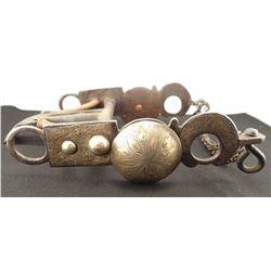 Fancy California-style silver mtd spade bid, double chains, un-marked