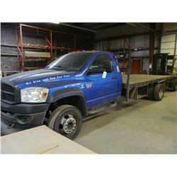 2008 DODGE RAM 5500HD 16' FLATBED TRUCK WITH CUMMINS TURBO DIESEL, AUTOMATIC, 511,000KMS
