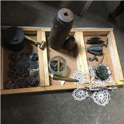 Militaria: Wooden Tray Loy - Artillery Rounds, Casing, Powder Can, Powder Measure, etc