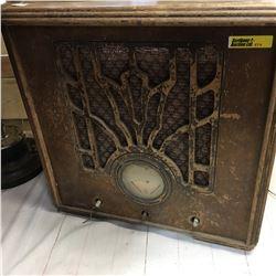 Majestic Stand Up Cabinet Radio