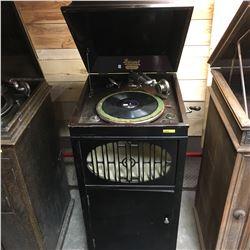 "Brunswick Phonograph ""Jones & Cross Edmonton, Alta"" Model 200 S/N#21659 c/w Records (Not Working)"