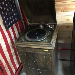 "Pollock Gramophone ""Pollock Cabinet Talking Machine""  Model Crown Prince  Berlin, Canada S/N# 9575 ("