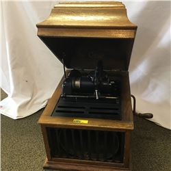Edison Cylinder Gramophone Model 30 S/N#SM106408  (Internal Horn)