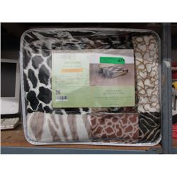 New Queen Size Animal Stripe Sherpa Blanket